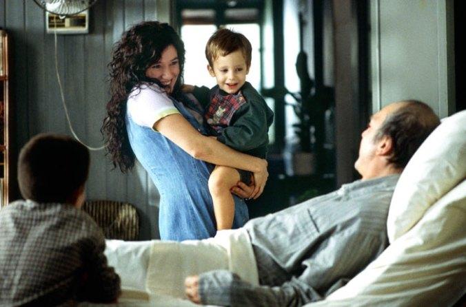 Rosa (Lola Dueñas) brings her children to meet Ramón (Javier Bardem)