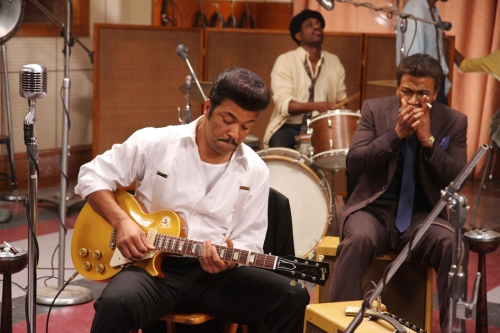 Muddy Waters (Jeffrey Wright) and Little Walter (Columbus Short) in Cadillac Records