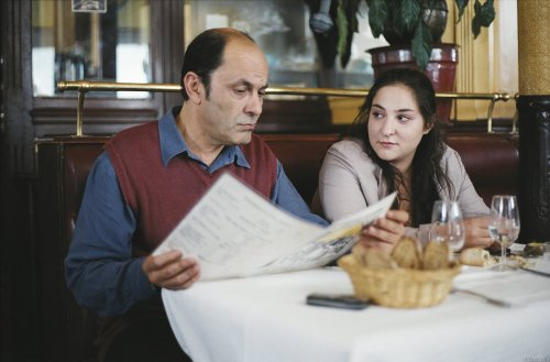 Ettiene (Jean-Pierre Bacri) and his daughter Lolita (Marilou Berry)