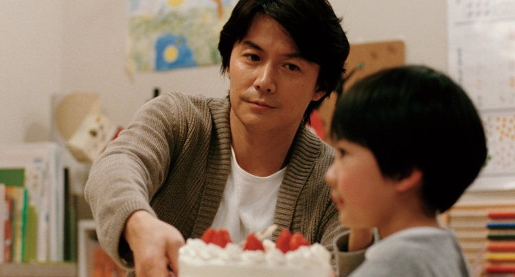 Fukuyama Masaharu and Nonomiya Keita as the father and son who discover they are not 'blood-related' ©2013-FUJI-TELEVISION-NETWORK-INCAMUSE-INCGAGA-CORPORATION